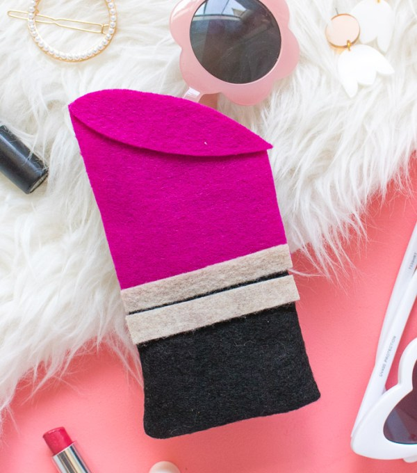 DIY Lipstick Sunglasses Case   Club Crafted