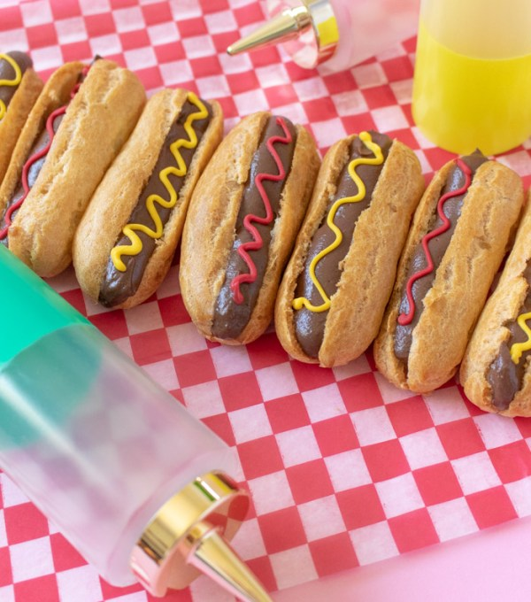 Fun Summer Treat! Hot Dog Eclairs | Club Crafted