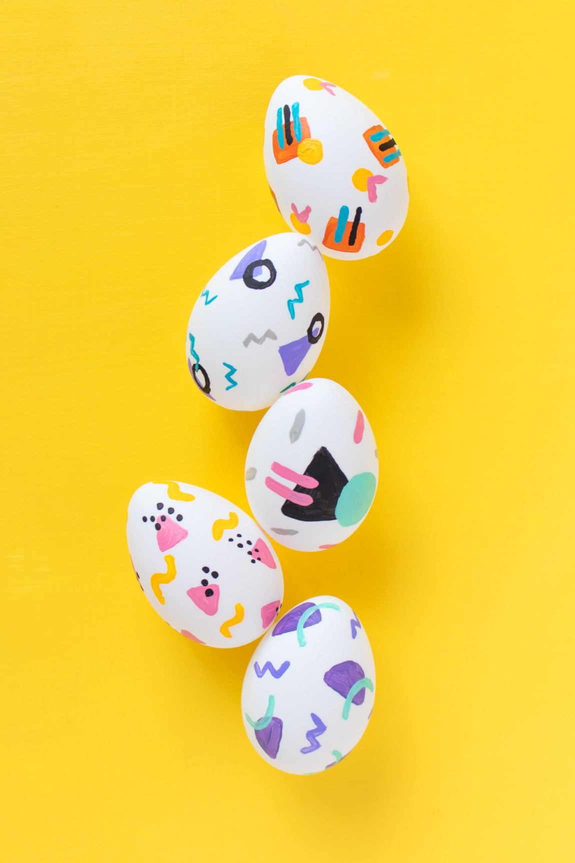 DIY 90s Patterned Easter Eggs | Club Crafted