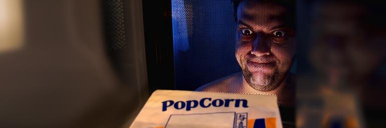 Minha cara quando descubro que pipoca de microondas faz mal