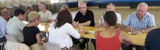 Autour de la table : réunion préparatoire à Couiza
