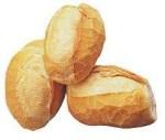 Pão O aroma a pão fresco pode aparecer nos vinhos brancos. Recorda o da massa do pão recentemente cozida e que é dado pelo furfurol, tal como os aromas doces de passas de ameixas que aparecem nos tintos velhos.