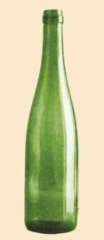 """Renana  Originária da região alemã do Reno, apresenta um formato alongado e estreito, com os """"ombros"""" pendentes."""