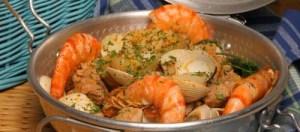 Cataplana de mariscos com carne Receita Teleculinária