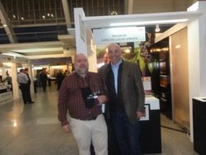 Com o grande Eng Carlos Lucas de quem tenho a honra e prazer de ser amigo, bem como do restante elenco da Magnum Wines!