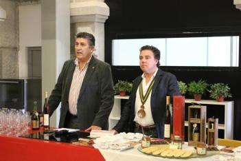 vice-presidente-da-camara-fernando-oliveira-e-enologo-miguel-moteo