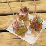 Atum fresco de escabeche com esmagada de batata doce
