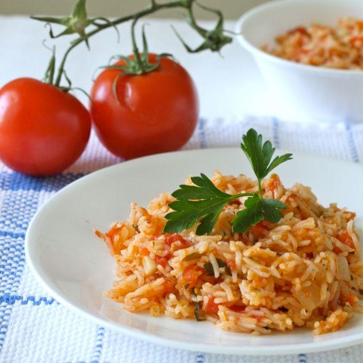 Podem acompanhar com arroz de tomate
