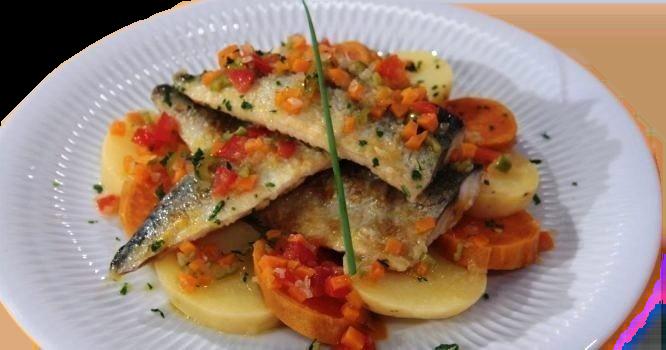 Chefe Hernâni Ermida prepara Filetes de cavala em escabeche de cenoura e laranja_burned