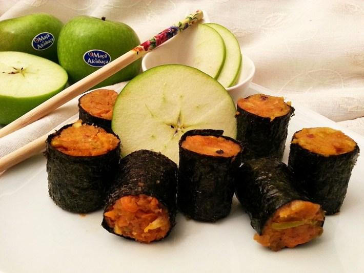 Sushi de alheira com maca verde de Alcobaça e cenoura