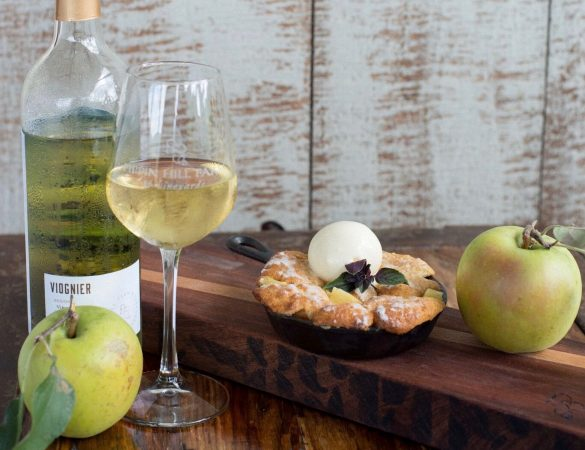A nossa Sugestão deste Domingo recai em Bons vinhos portugueses harmonizam com pratos à base de Maçã de Alcobaça.