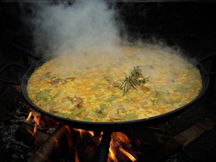 A típica e multifacetada Paella Espanhola 5
