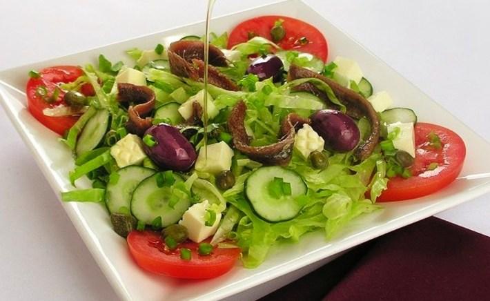 salada de anchovas