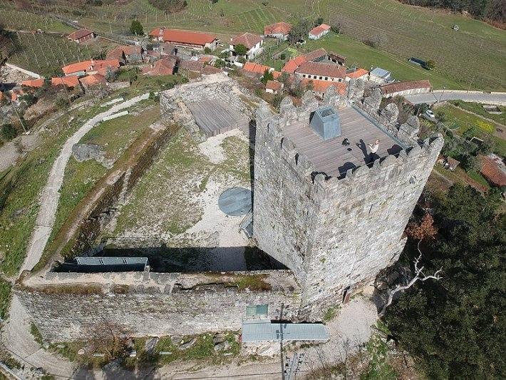 Celorico de Basto Castelo de Arroia