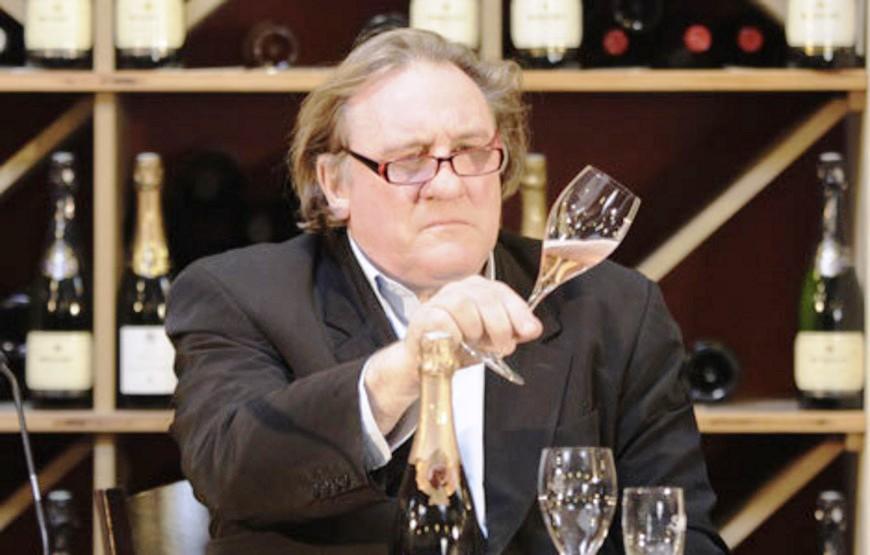 Gérard Depardieu na arte de representar vinhos 2