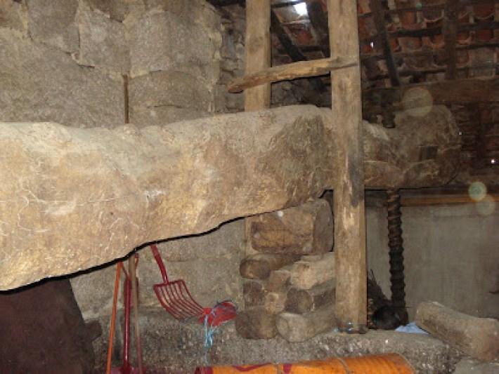 Uma velha prensa de vara romana