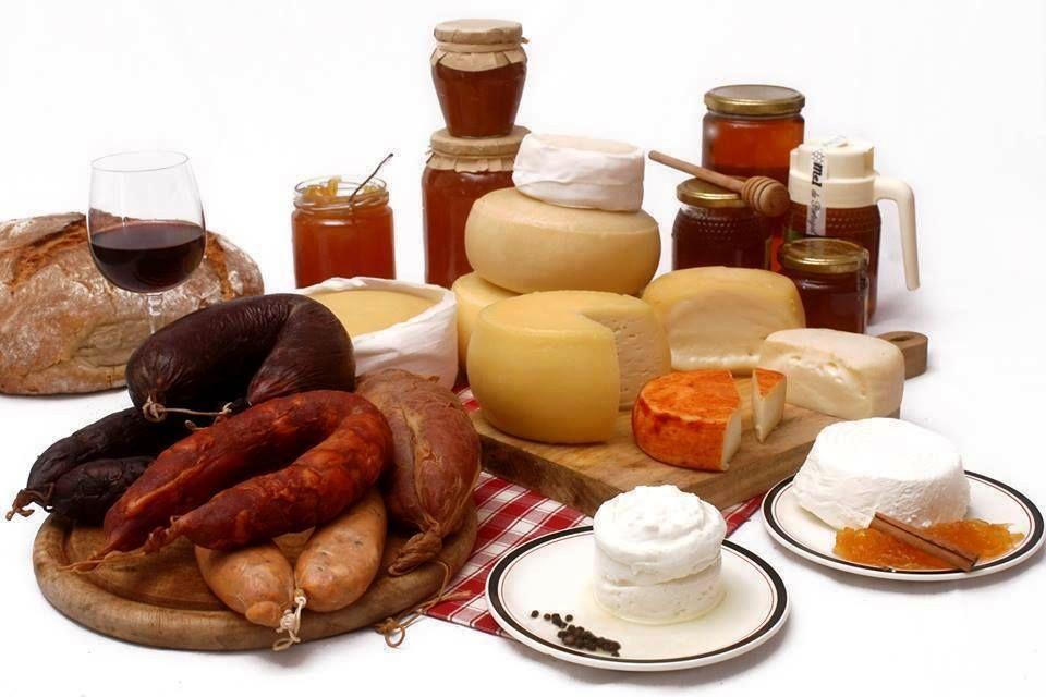 Sugestão de Domingo com bons vinhos portugueses e gastronomia da Serra da Estrela