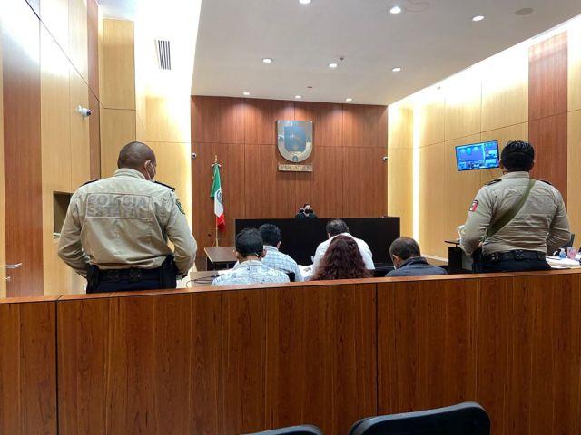 Formulan imputación a tres persona por los delitos de homicidio calificado contra servidor público y feminicidio, ambos cometidos en pandilla