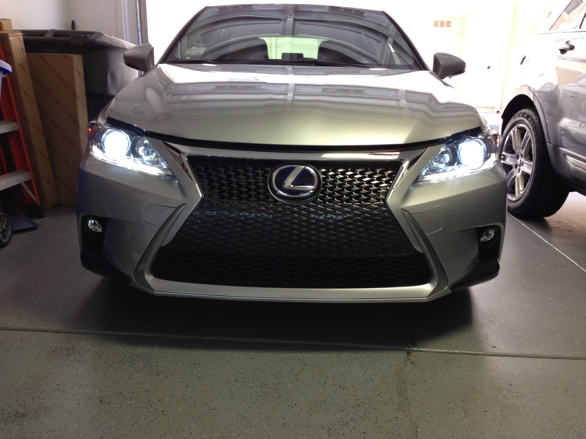 2014 Spindle Bumper and F Sport Spoiler available on 2011 2013