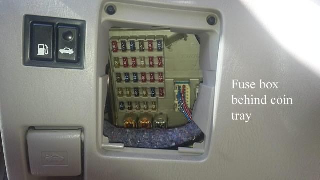 2006 lexus es330 fuse box locations