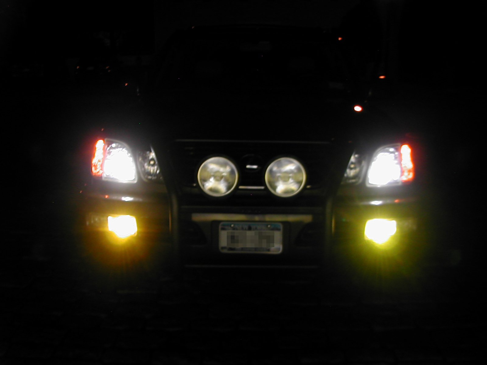 hight resolution of and for comparison here is the stock 2005 ls430 hid headlights
