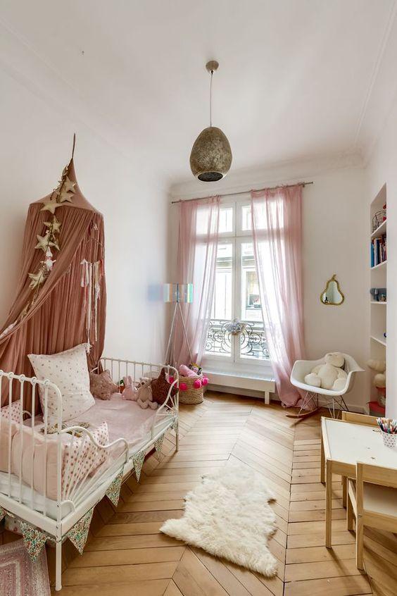 SHOP THE ROOM  Chambre fille bohme romantique  Club Mamans