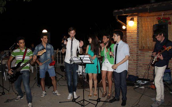 La band Hooga alla cena sociale