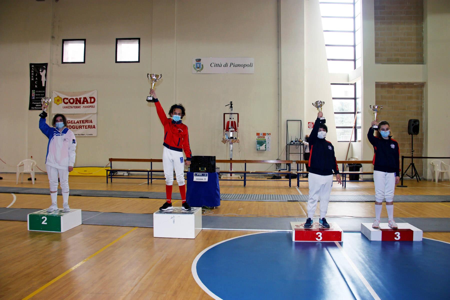 Prima prova di qualificazione GPG: il podio di spada cat. Giovanissime