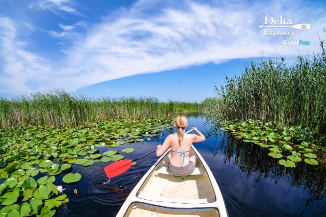 Exploram canalele Deltei in ritmul nostru: cu canoe de doua persoane