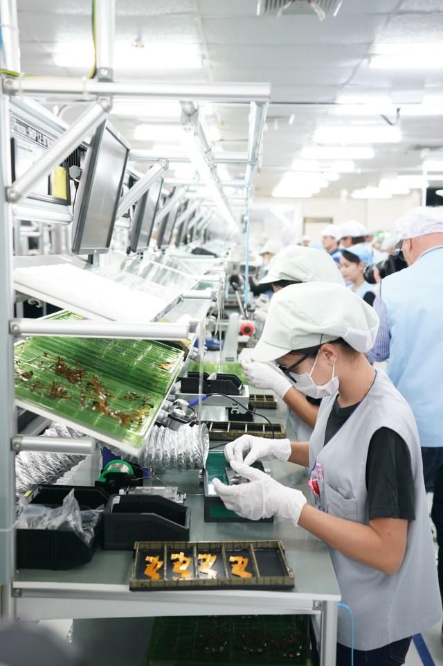 Linia de asamblare a camerelor Sony A9
