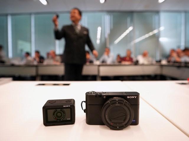"Sony RX0 langa ""fratele mai mare"" - Sony RX100IV"