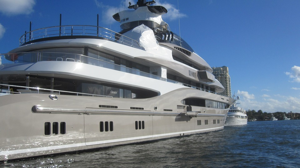 10 Top Oligarch Owned Yachts