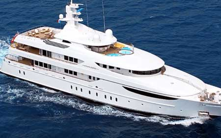 Nicole Kidmans Hokulani  Club Yacht