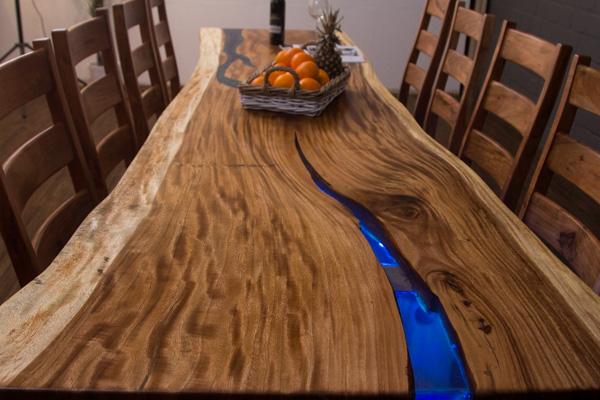 Tisch Aus Holzstamm Von Eichenklotz Holzstamm Eiche Tisch Hocker Eichenstamm Einzelstck