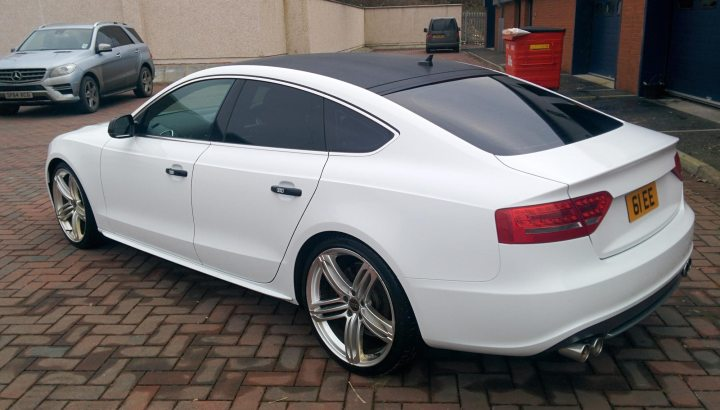 Audi A5 TDi 5dr Gloss White Wrap with Carbon Roof
