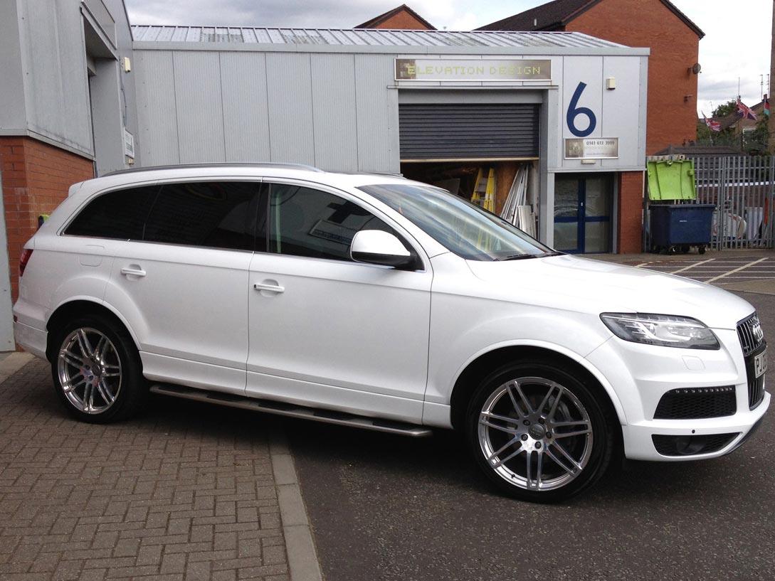 Audi Q7 in Gloss Pure White
