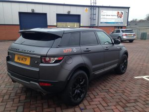 3M Matte Dark Grey Range Rover Evoque wrap