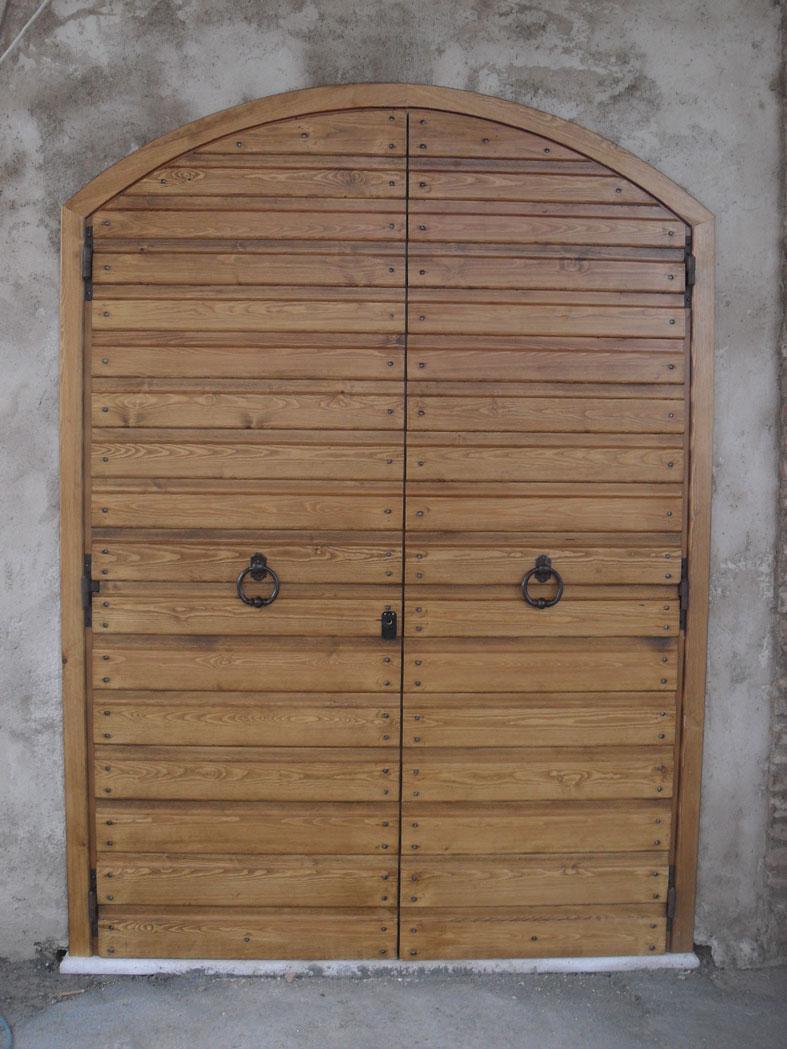 in legno massello di Castagno invecchiato spazzolato