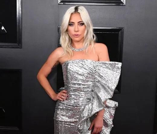 CMTV.com.ar - Lady Gaga no está de novia con Bradley Cooper