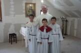 Foča župnik s ministrantima