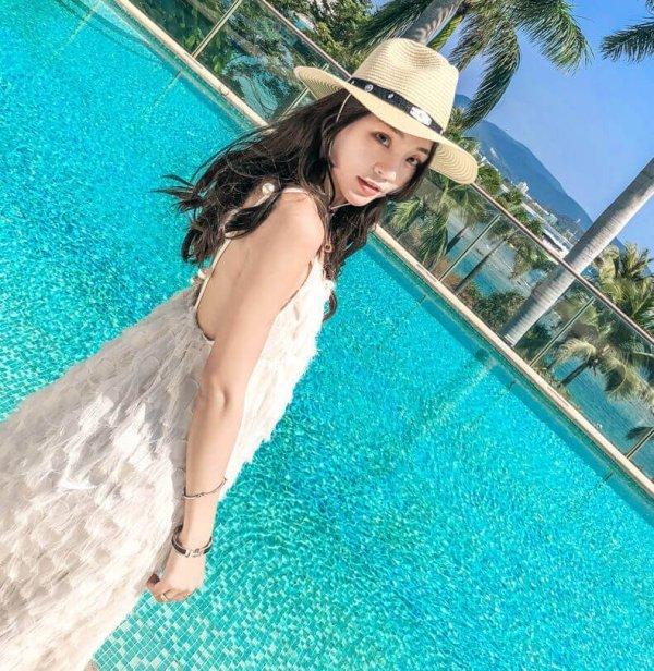 sun straw hat