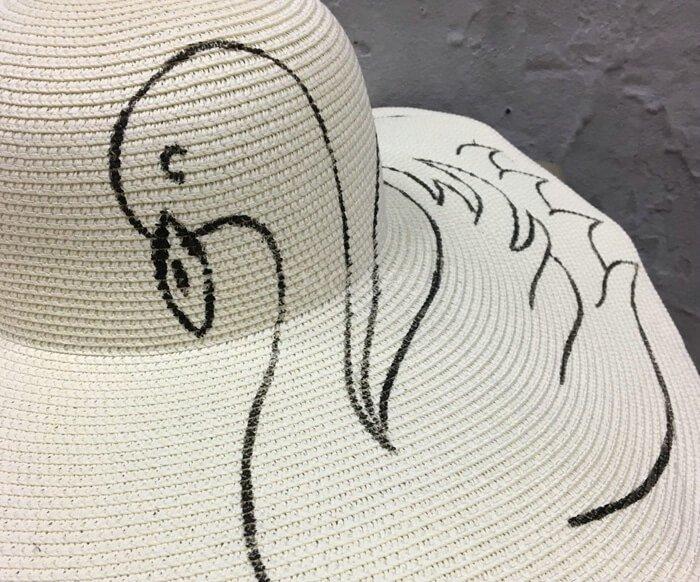 beach hat painting details