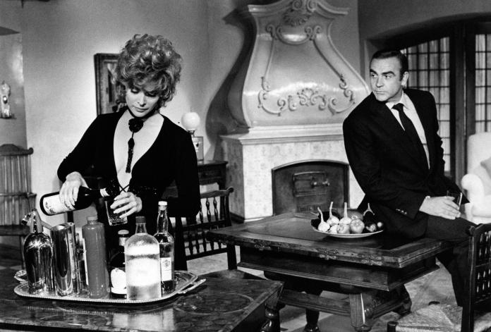Jill St. John and Sean Connery in Diamonds Are Forever