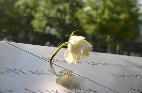Hommage à une victime des attentats du 11 septembre 2001. (Photo Alexandra Farnos)