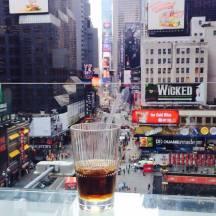 Pour prendre un verre avec vue sur Times Square, Alexandra Sanchez vous conseille le bar du Novotel