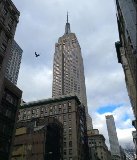 Au pied de l'Empire State building.