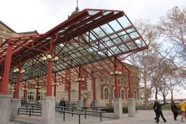 Entrée du bâtiment principal d'Ellis Island