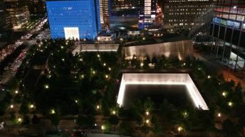 Vue sur le Memorial et le bas du One World Trade Center. (Photo Smain Stanley)