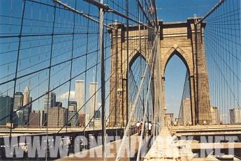 1999 : sur le pont de Brooklyn. (Photo Didier Forray)