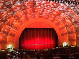 La salle du Radio City Music Hall peut contenir plus de 6000 spectateurs.